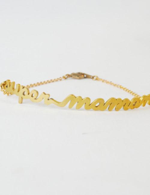 bracelet phrase fond blanc